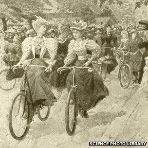 Rubber wheels on bikes in 1888.jpg
